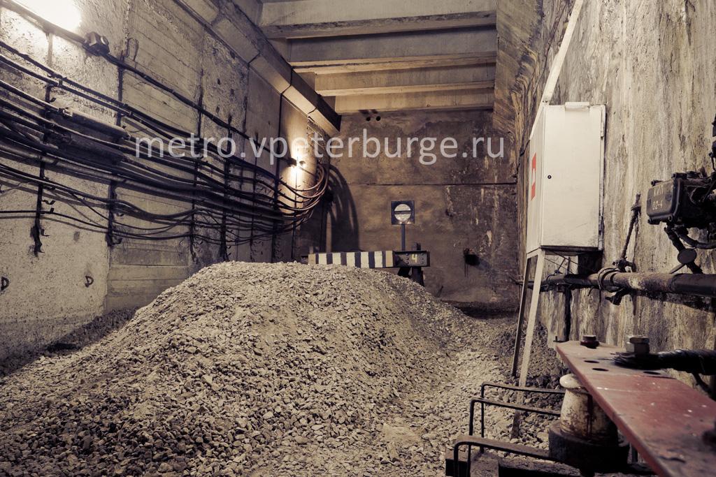 Время открытия и закрытия метро в Санкт Петербурге